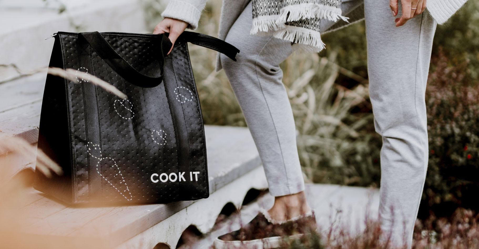 bag-doorstep